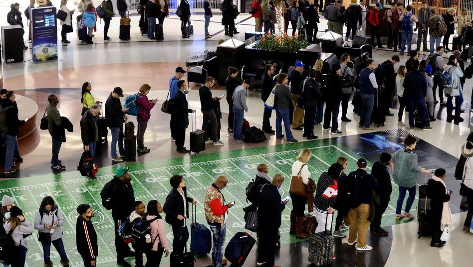 Flughafen in Atlanta: Warteschlangen an den Sicherheitskontrollen