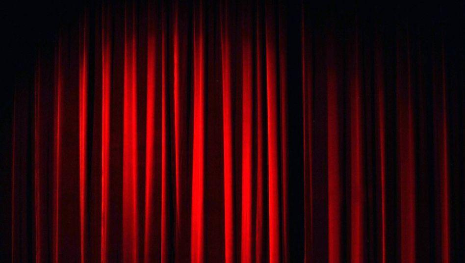 Was passiert hinter Schweizer Bühnenvorhängen? Umfrage bringt erschreckende Ergebnisse