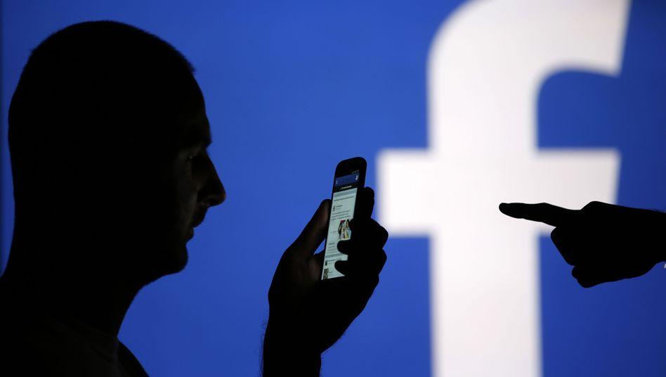 Facebook-Nutzer: Erneute Änderung der Nutzungsbedingungen