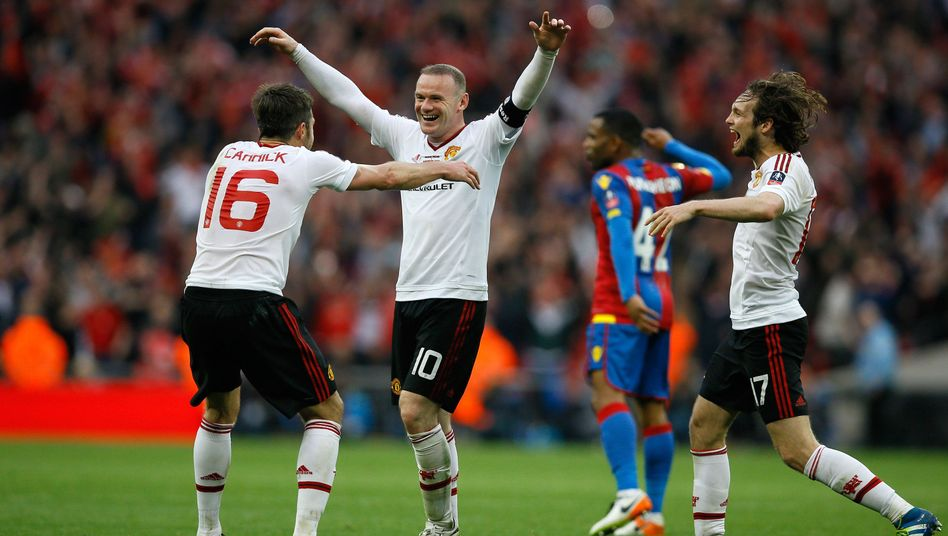 Manchesters Wayne Rooney (Mitte)