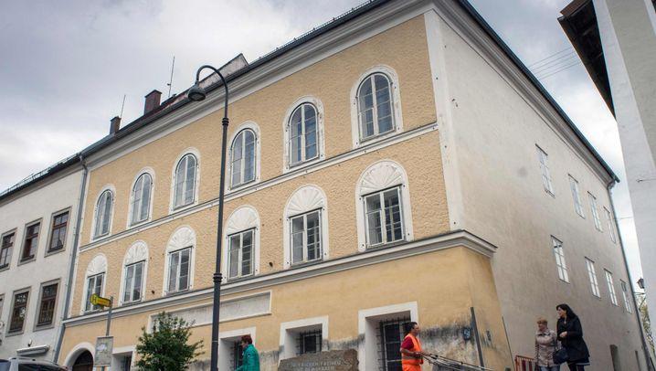 """Streit um """"Hitlerhaus"""": Braunaus brauner Ballast"""