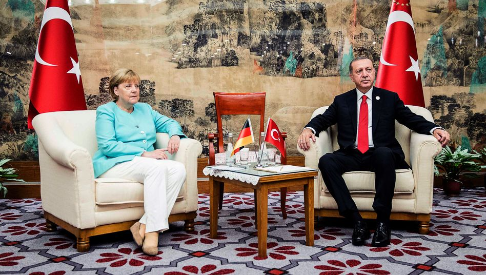German Chancellor Angela Merkel with Turkish President Recep Tayyip Erdogan in 2016