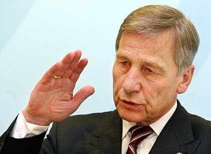 Wirtschaftsminister Clement: Details zum Ladenschluss sind Ländersache
