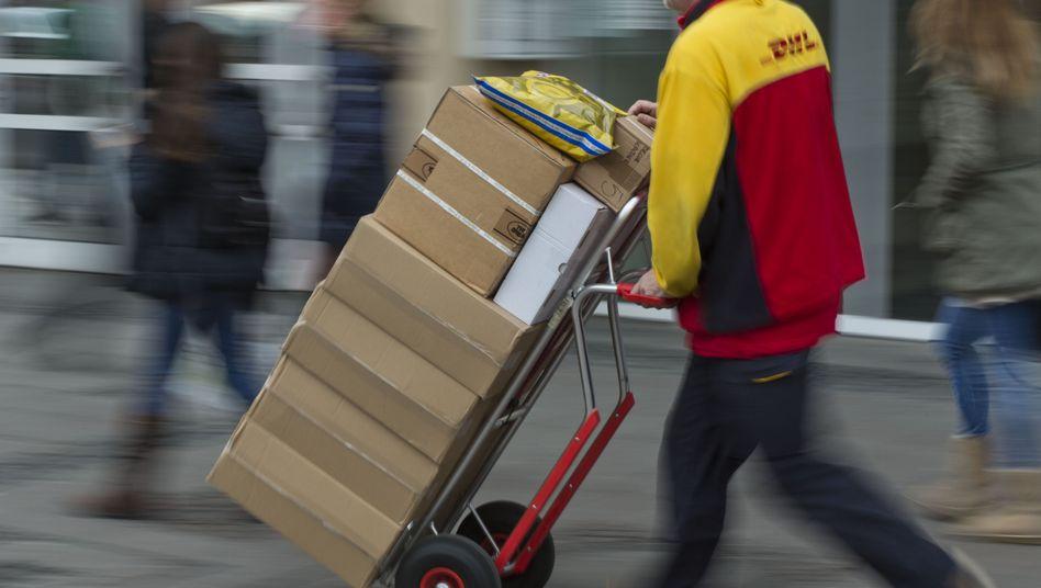 """DHL-Zusteller in Frankfurt: """"Unter Volllast"""""""