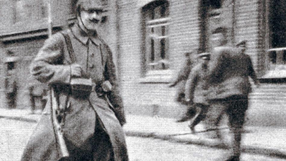 Infanterist Hitler im Mai 1915: »Dem Tod ins Auge gesehen«