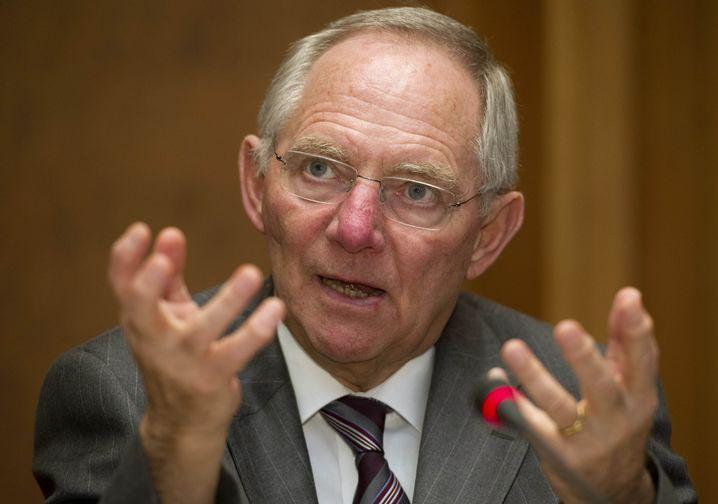 """Finanzminister Schäuble: """"Ich finde das empörend"""""""