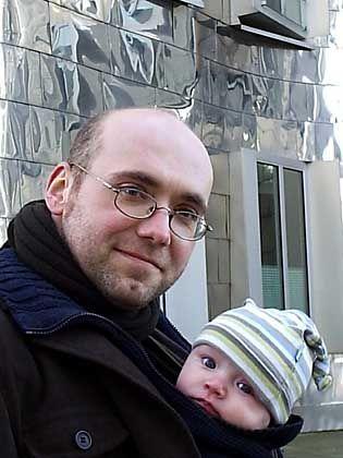 Zeichner Ulf K. (mit Sohn Ole): Poet am Werk