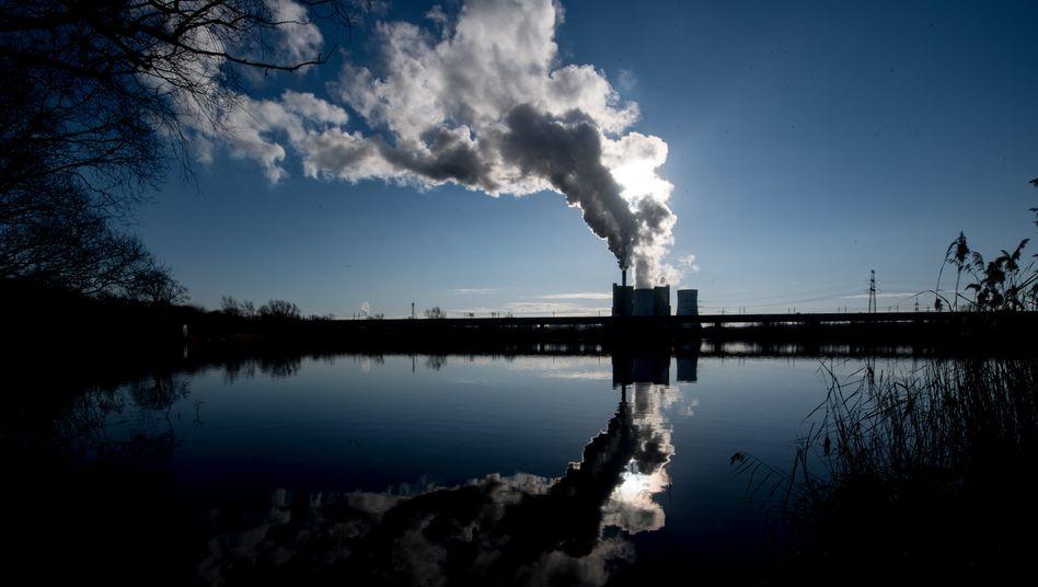 Braunkohlekraftwerk Schkopau in Sachsen-Anhalt: Es soll noch bis 2034 laufen.