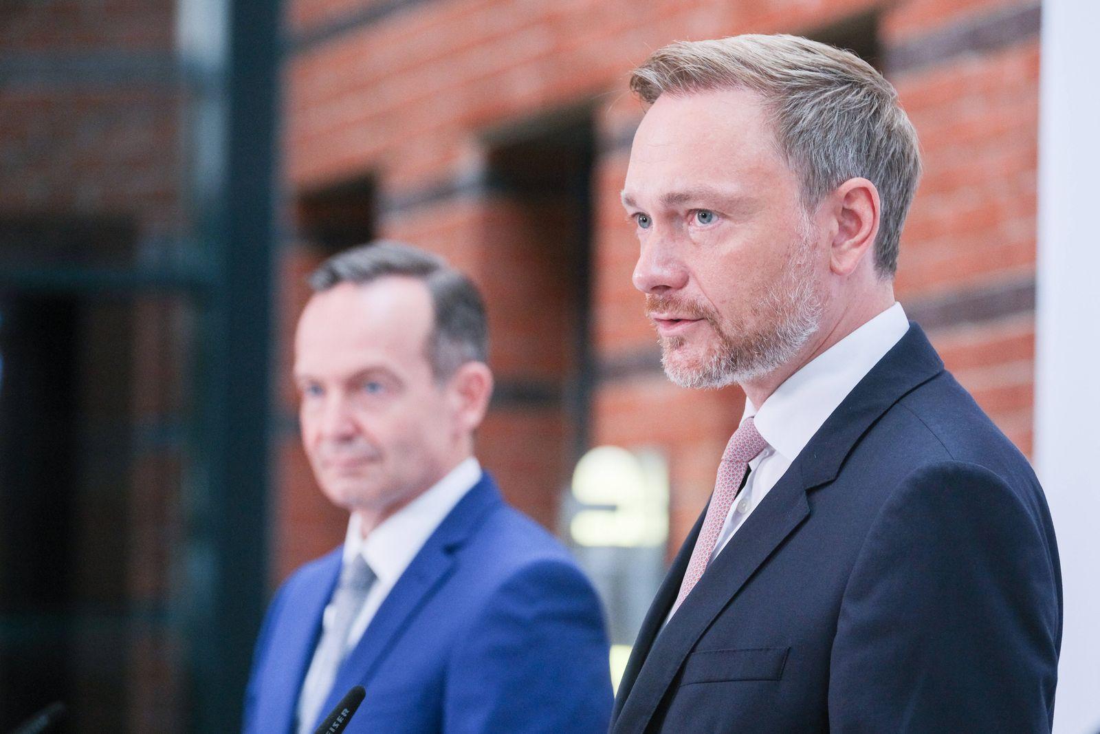 Christian Lindner und Volker Wissing, Generalsekretär, bei der PK zur Vorstellung des Wahlaufruf der Freien Demokraten