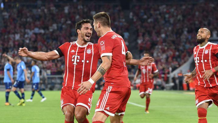 Bundesligastart in München: Starkregen und ein Videobeweis
