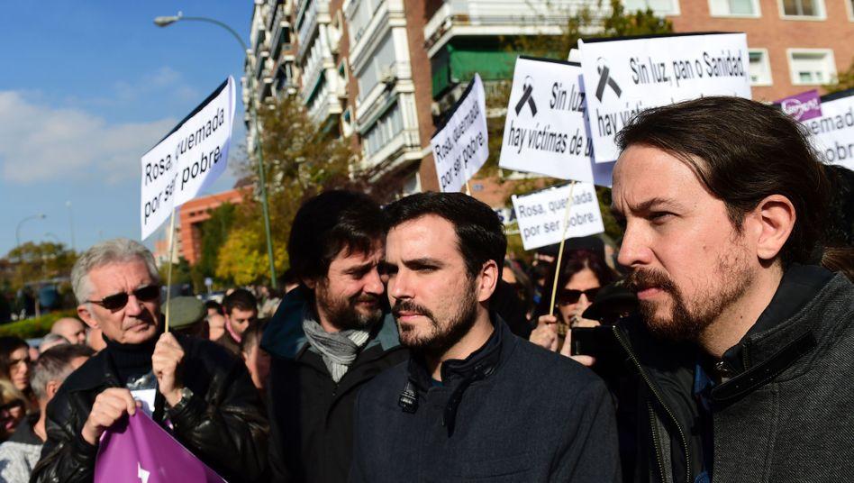 Pablo Iglesias (r.) bei einer Demonstration in Madrid