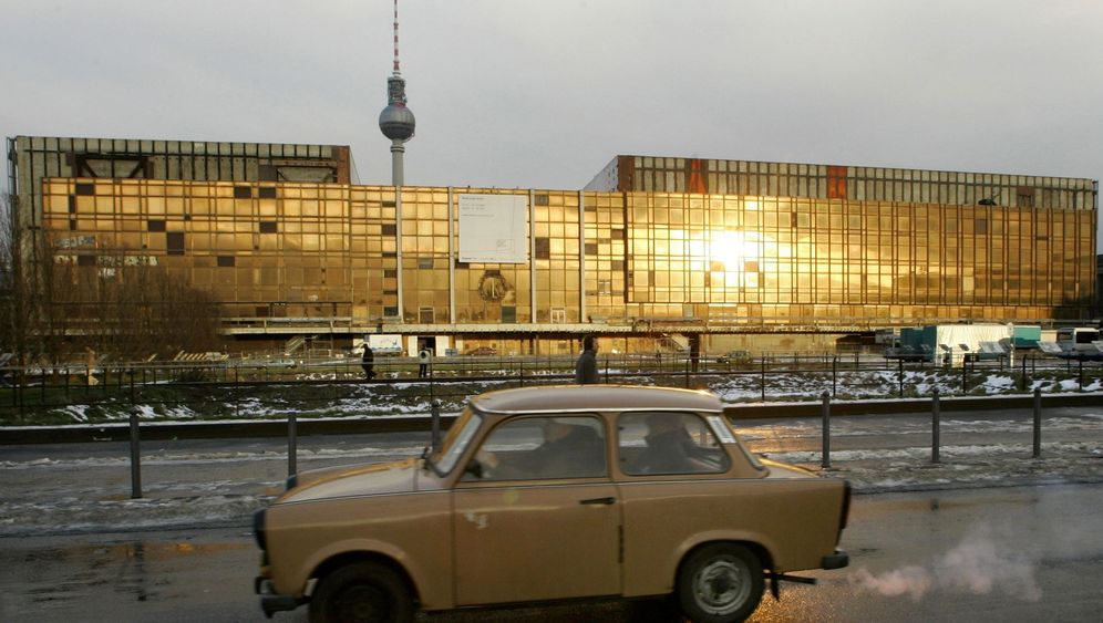 Photo Gallery: The Disappearing Trabant