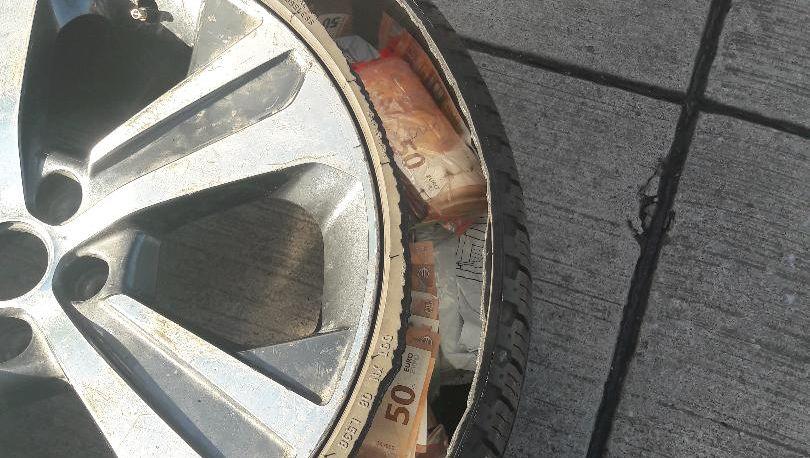 Aufgeschnittener Ersatzreifen: Zoll stellt 350.000 Euro sicher