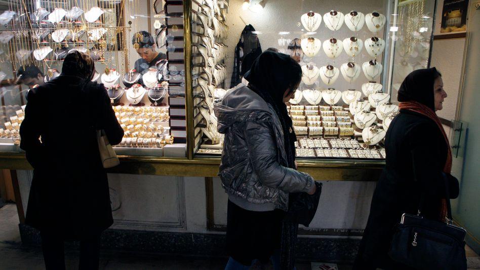 Gold-Händler auf einem Markt in Teheran: Massiver Wertverlust der iranischen Währung