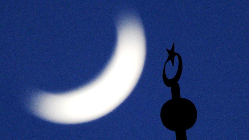 Minarett einer Essener Moschee: Große Vorbehalte gegen den Islam