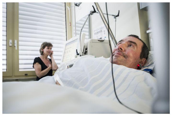 """ALS-Patient Engel, Ehefrau Susanne in ihrem Haus in Bad Bergzabern: """"Wie lange dauert es ohne Nahrung?"""""""