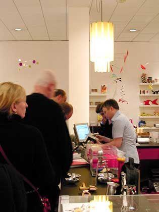 MoMA-Shop in Berlin: Ein richtiger Kunstsupermarkt