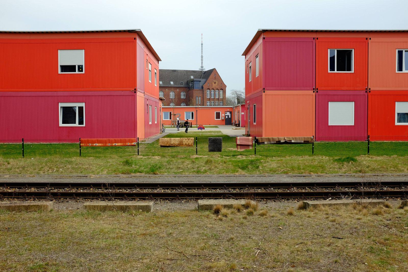 EINMALIGE VERWENDUNG Flüchtlingsunterkunft Bremer Überseestadt