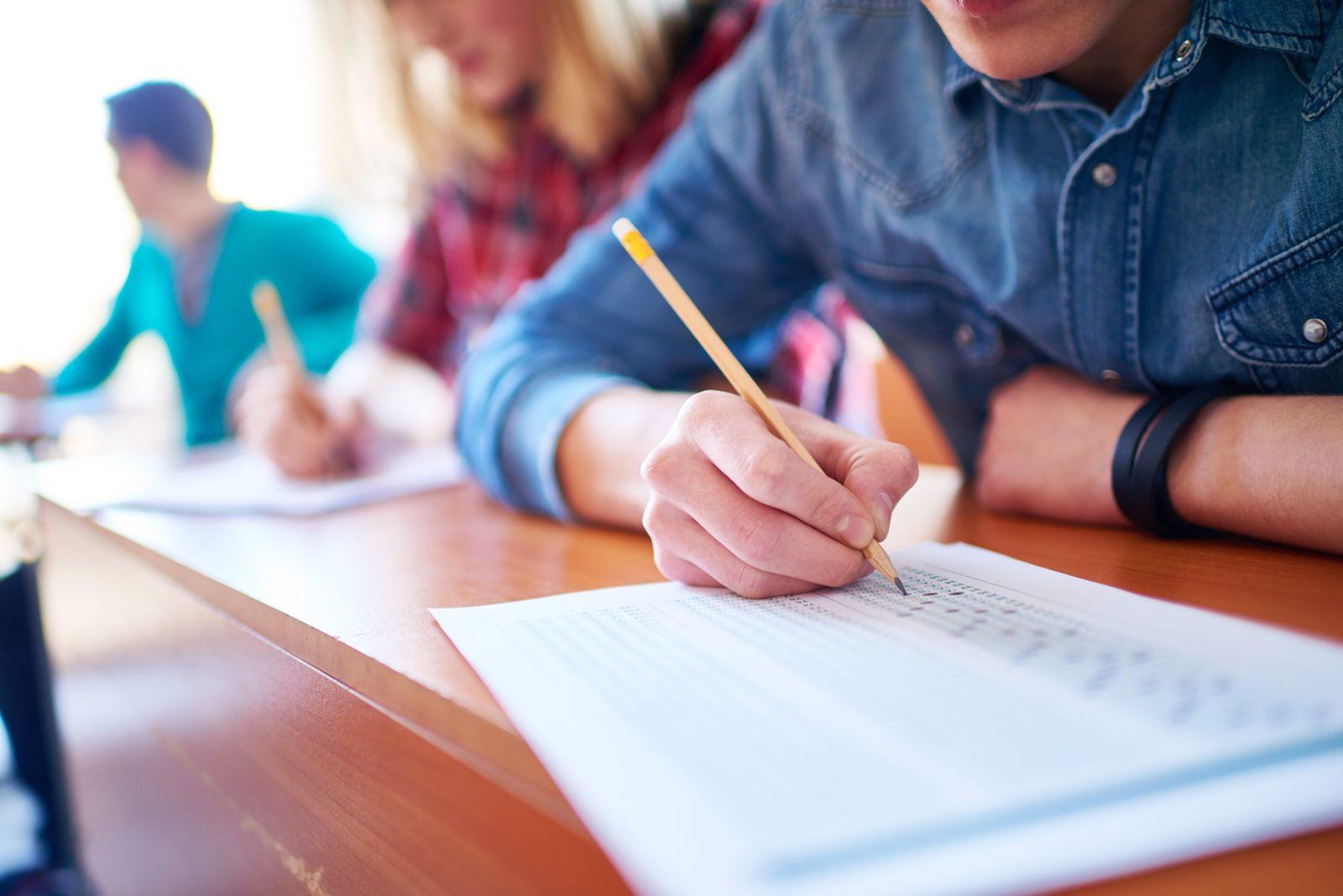 EINMALIGE VERWENDUNG Student/ Prüfung