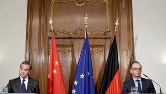 Maassoll bei Besuch von Chinas Außenminister Klartext reden