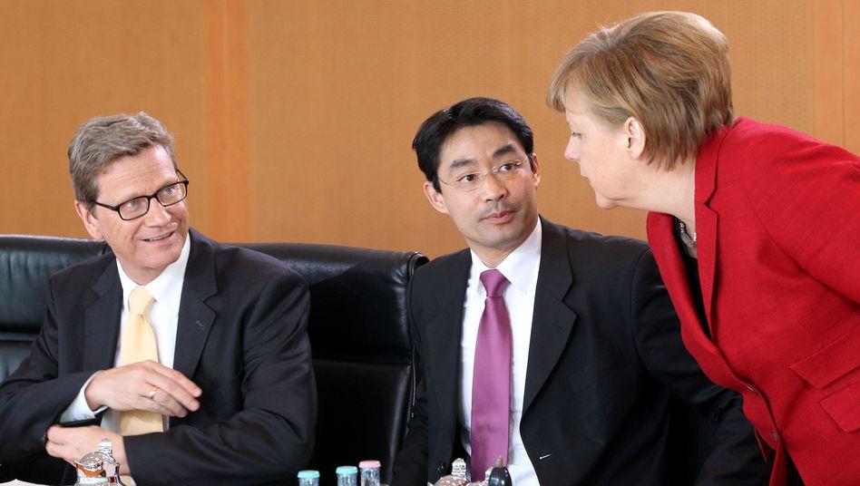 Merkel mit Ministern: Erste Erhöhung seit 12 Jahren