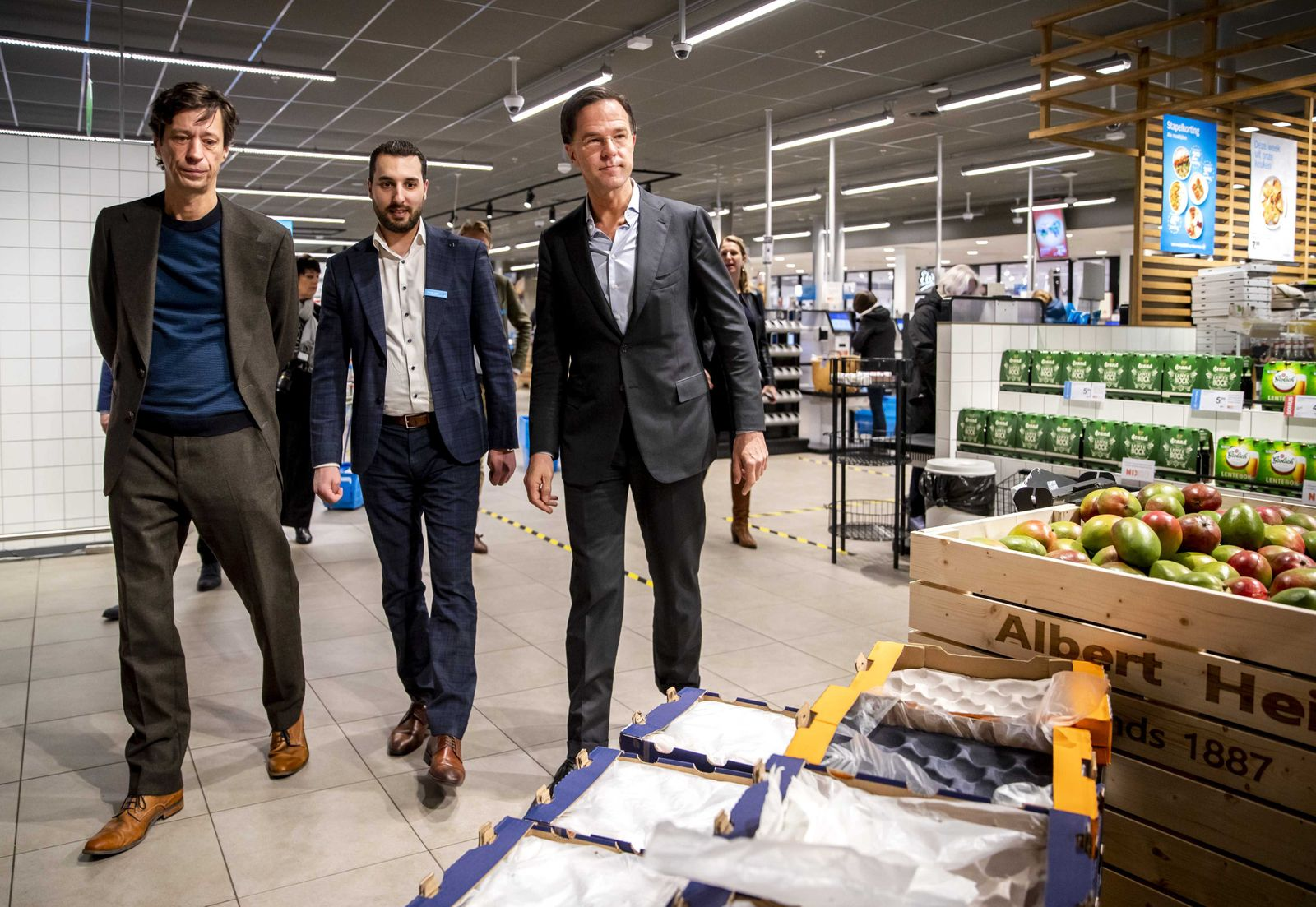 Dutch Prime Minister Mark Rutte visits a grocery store, Den Haag, Netherlands - 19 Mar 2020