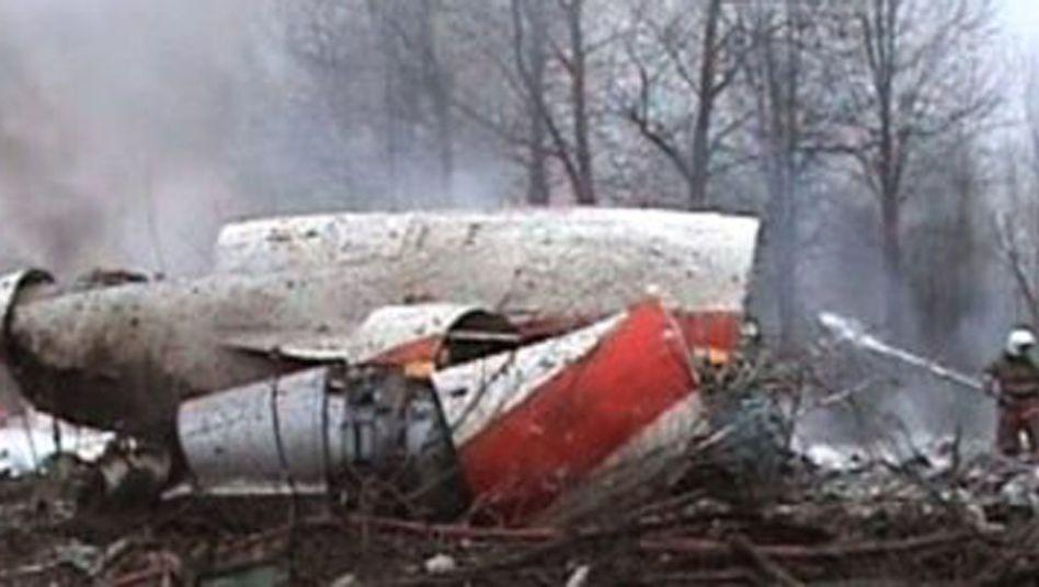 Absturz im Wald: Wrack der Unglücksmaschine bei Smolensk