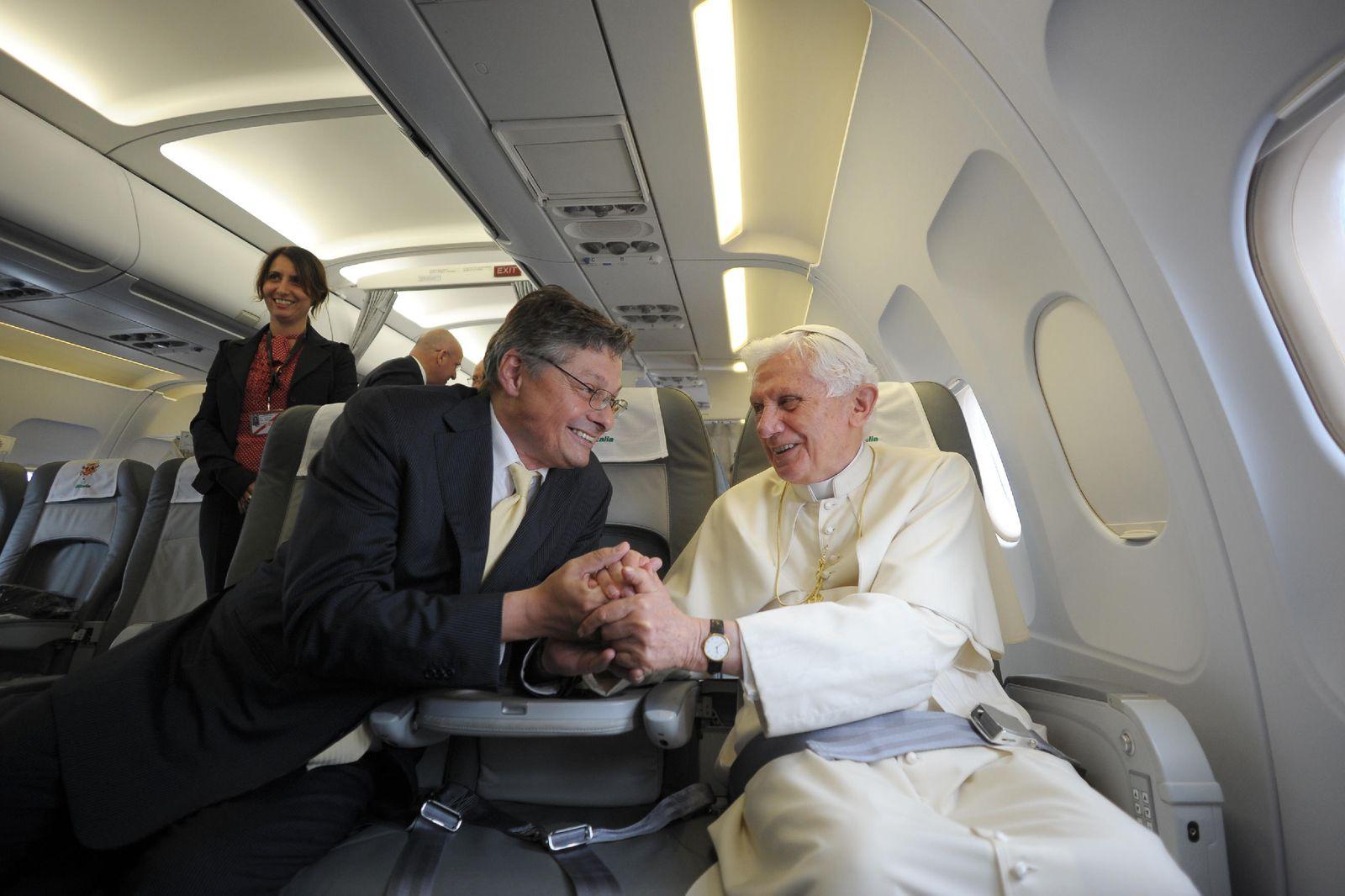 EINMALIGE VERWENDUNG Videoteaser Matussek Papstreise