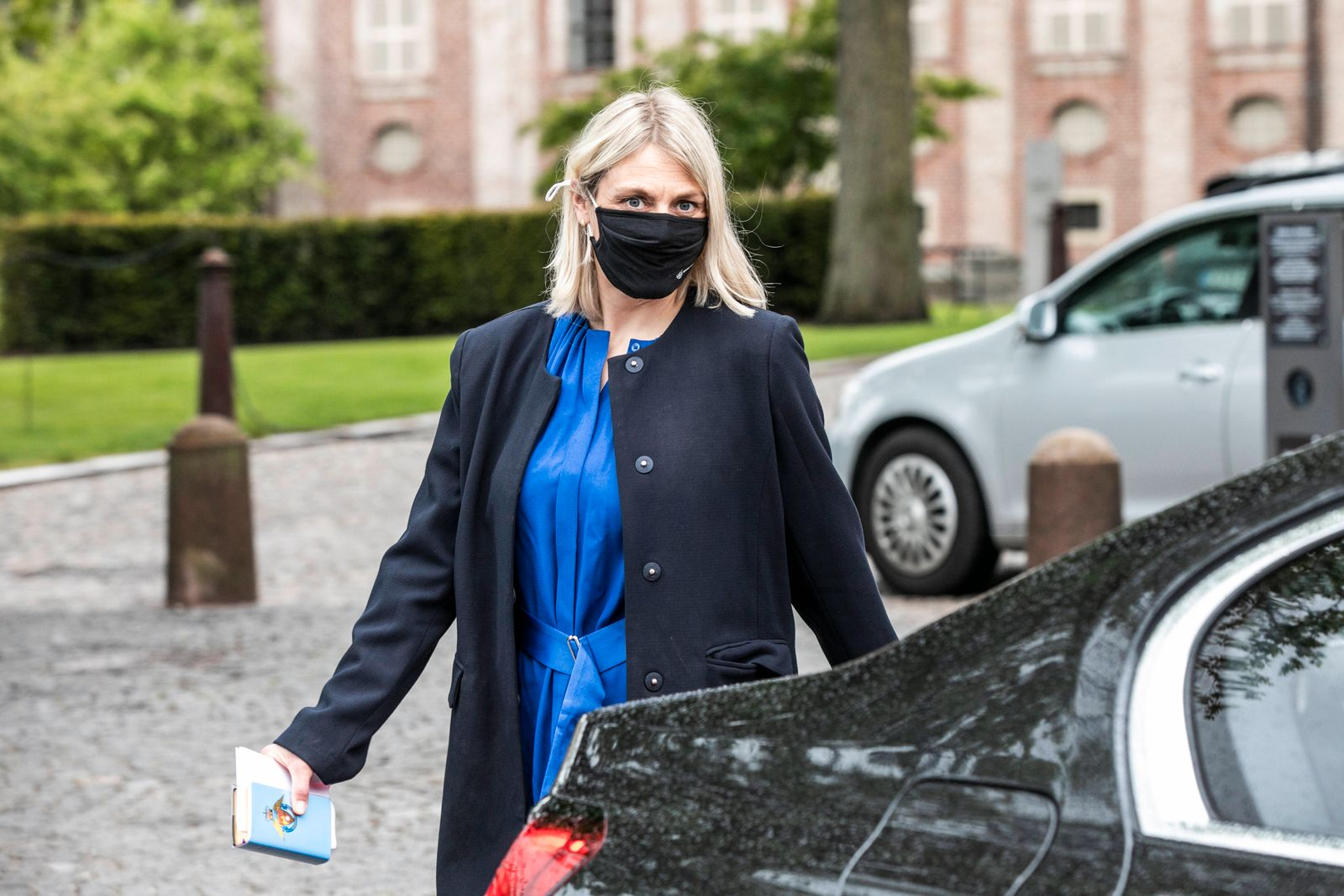 Forsvarsminister Trine Bramsen forlader vaernspraestetjenestens 50 aars-jubilaeum som fejres med festgudtjeneste i Holme