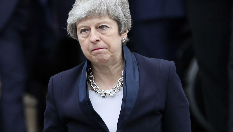 Theresa May: Sie will zurücktreten. Aber wann?