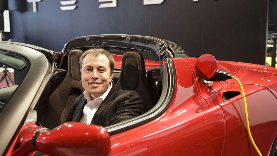 """Tesla-Chef Elon Musk: """"Auf lange Sicht eine Batteriefabrik in Deutschland"""""""