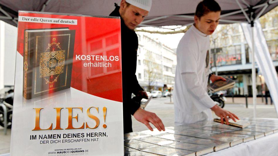 """Salafisten in Offenbach: """"Christen und Juden kommen in die Hölle"""""""