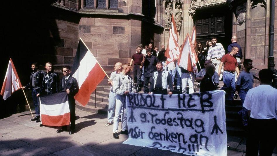 Neonazi-Demonstration in Worms 1996: Die Spitzel schaukelten sich gegenseitig hoch