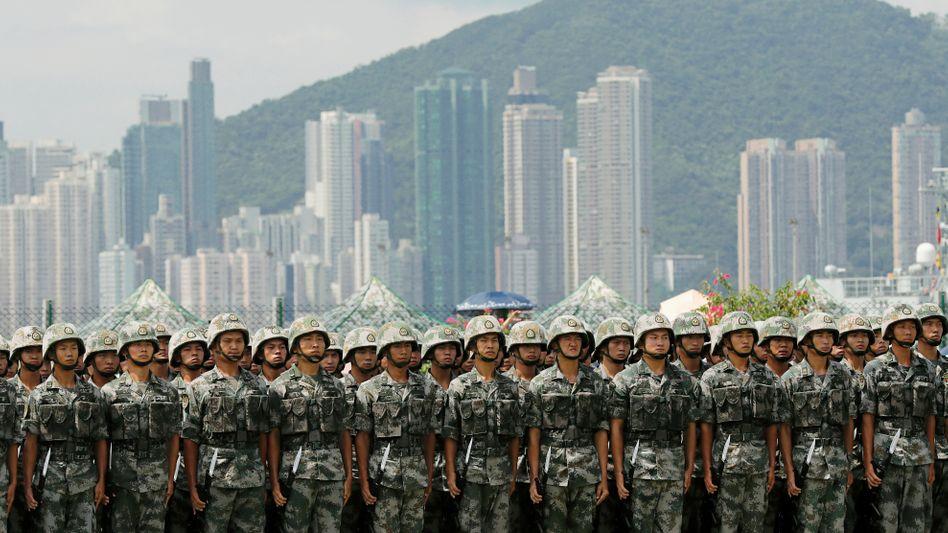 """Soldaten der Volksbefreiungsarmee in Hongkong: """"Die chinesische Nation hat den Frieden immer geliebt"""""""