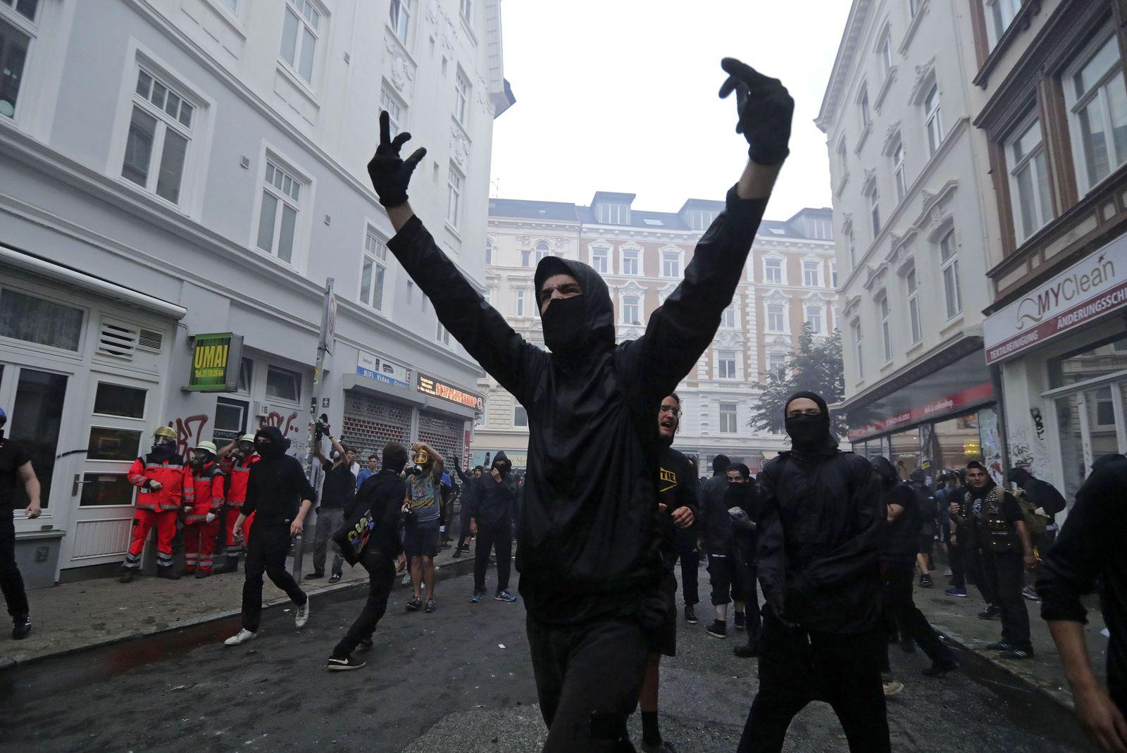 linke Gewalt/ schwarzer Block/ G20/ Hamburg/ 2017