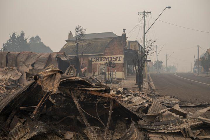 Vom Feuer zerstörter Ort Cobargo in New South Wales