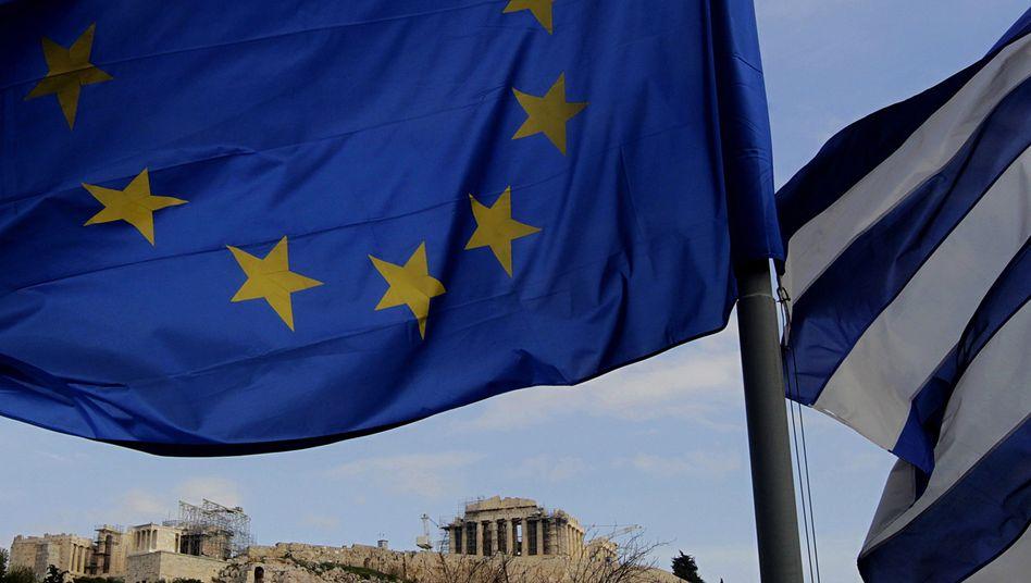 Flaggen über der Akropolis: Gerichtsentscheidung bringt Griechenland in die Bredouille