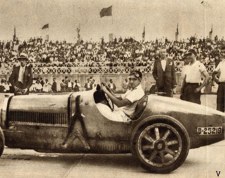 Der Unternehmer Eusebi Bertrand i Serra am Steuer eines Rennwagens während der Glanzzeiten des Autodroms Terramar