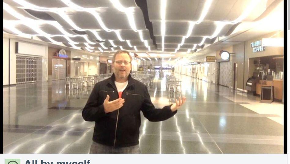 """Richard Dunn auf dem Flughafen von Las Vegas: """"Ganz allein"""""""