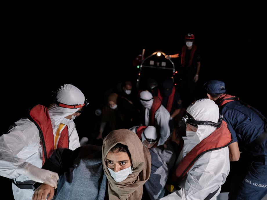 Refugees in the Aegean Sea: Rescued in the middle of the night