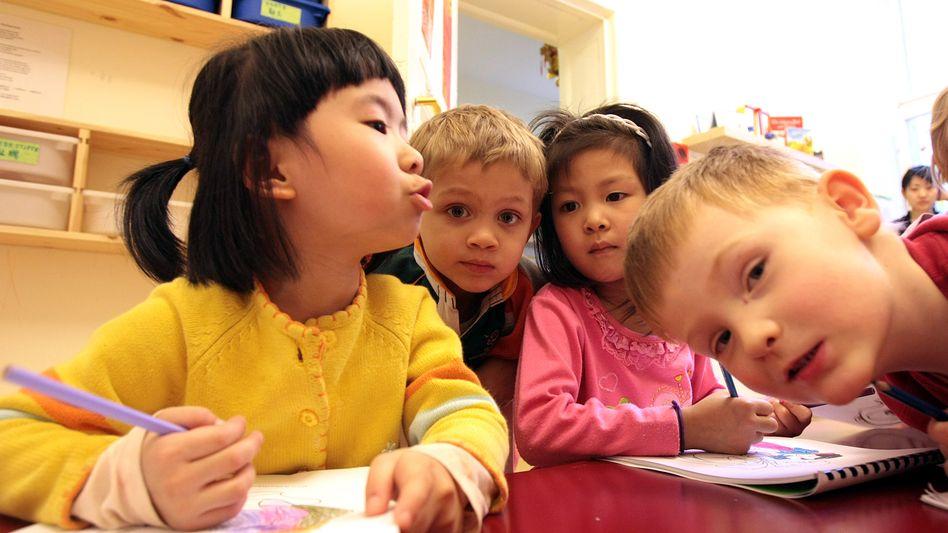 Deutsch-chinesische Kita in Berlin (Bild von 2009): Bilinguale schulen früh ihr Gehör