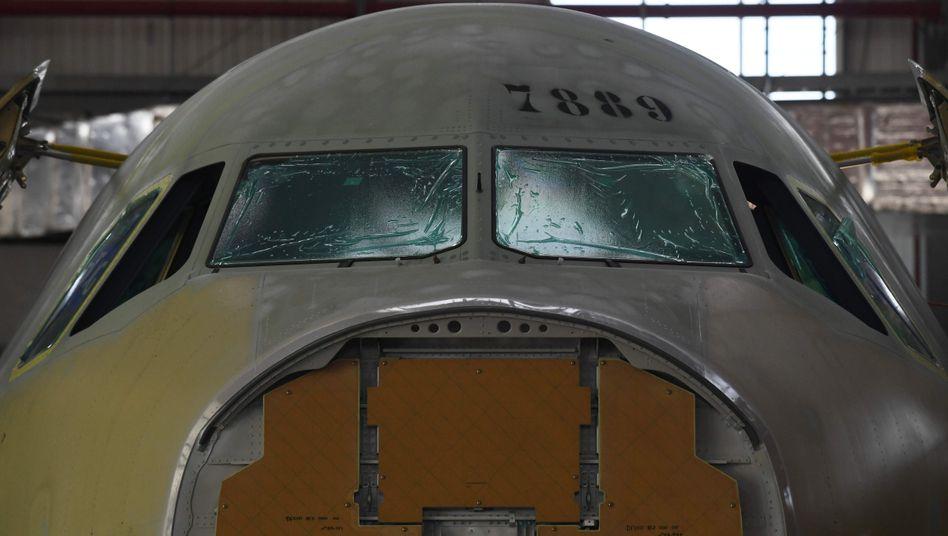 """Airbus-Maschine in chinesischem Werk Tianjin: """"Mit der heutigen Vereinbarung helfen wir Airbus"""""""