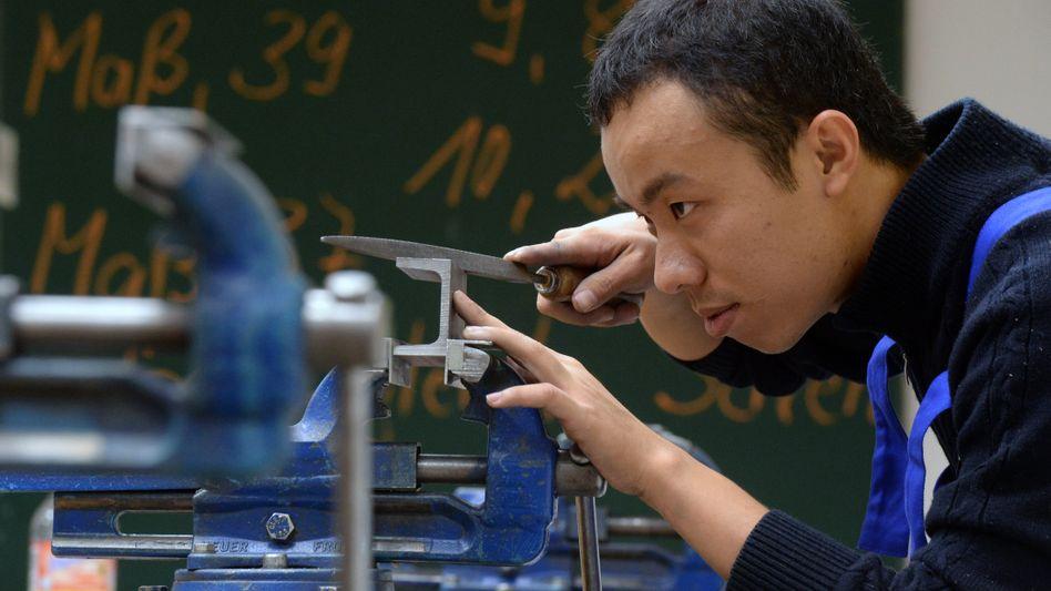 Thai Minh Nguyen aus Vietnam (Archiv): Arbeitet als Mechatroniker in Chemnitz