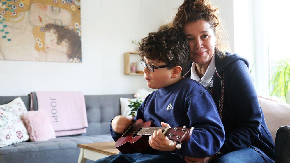 """Frauke Altherr und ihr Sohn Sebastian: """"Eigentlich macht er das gut"""""""