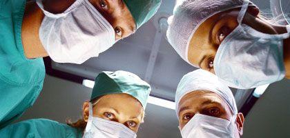 Alles im Blick: WHO-Checkliste kann im OP Leben retten