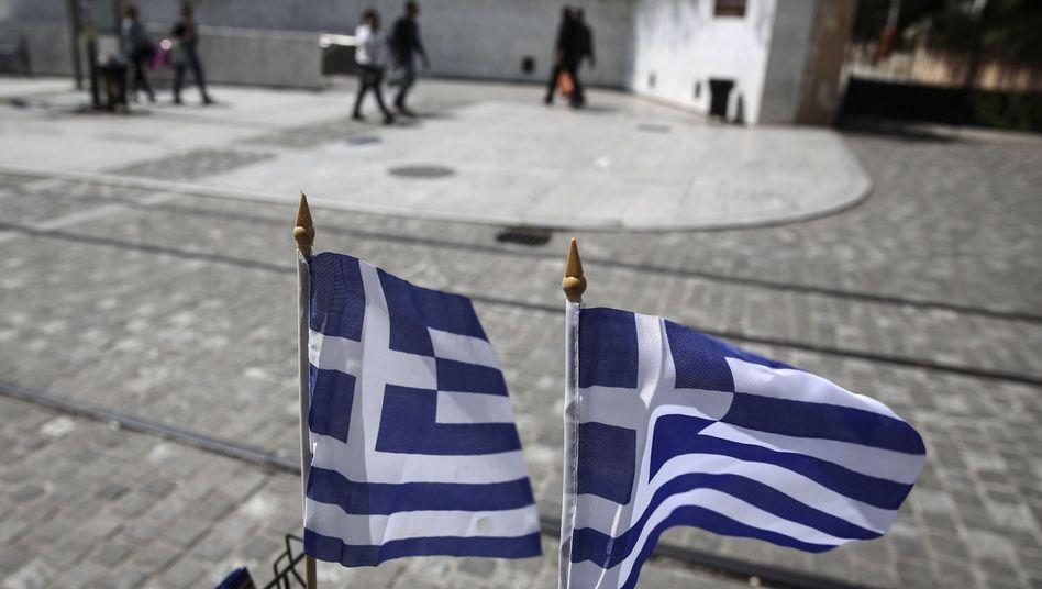 Griechische Flaggen: Soziale Schieflage im Reformprogramm