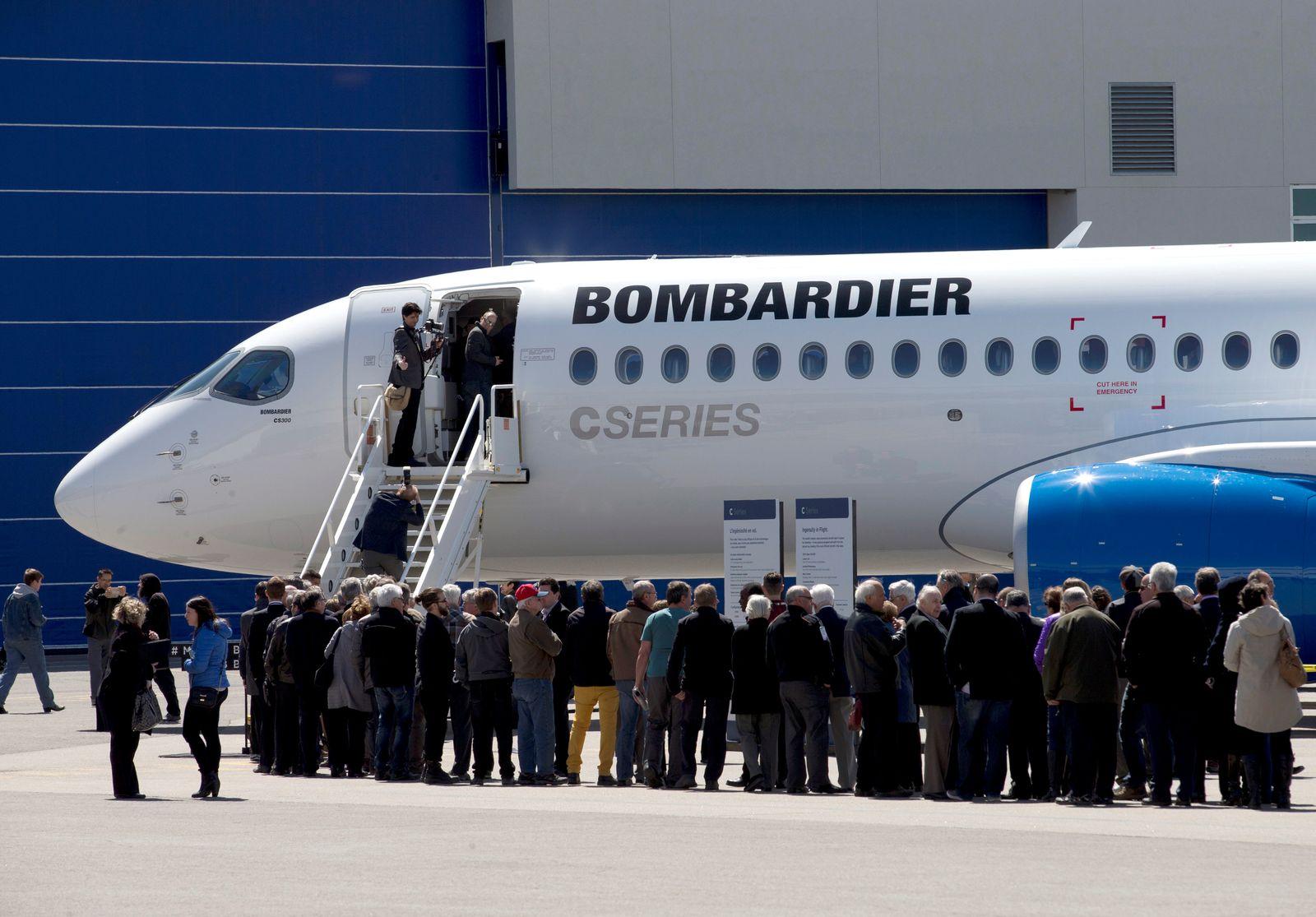 Flugzeug Bombardier CS300