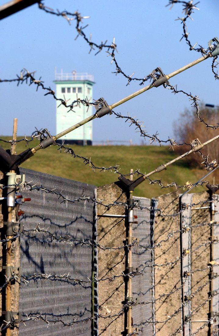 Stacheldraht an den ehemaligen Grenzanlagen