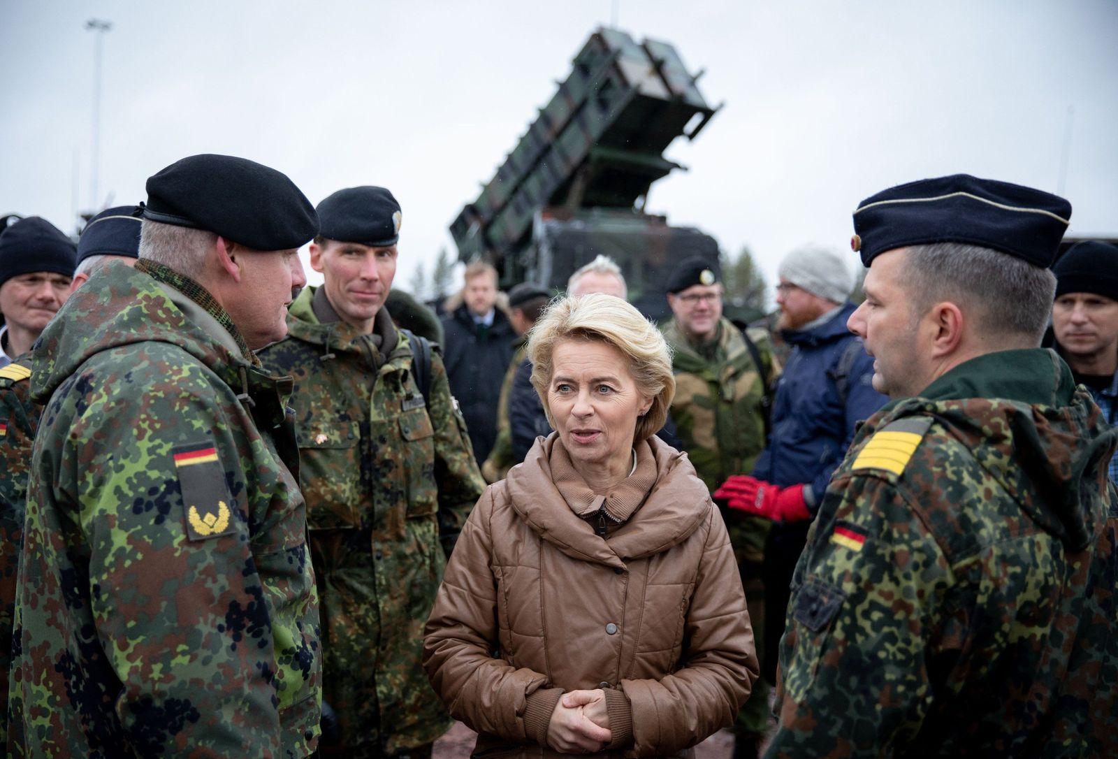 Von der Leyen / Nato-Manöver