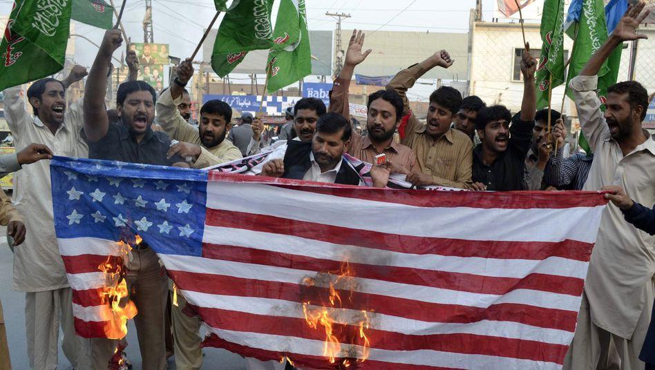 Protest gegen Luftschlag: Die Beziehung zwischen Pakistan und den USA ist schwer belastet
